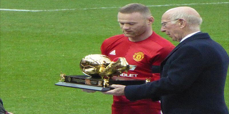 Rooney  to be Given Shirt Number 32 in Derby Deal with 32Red